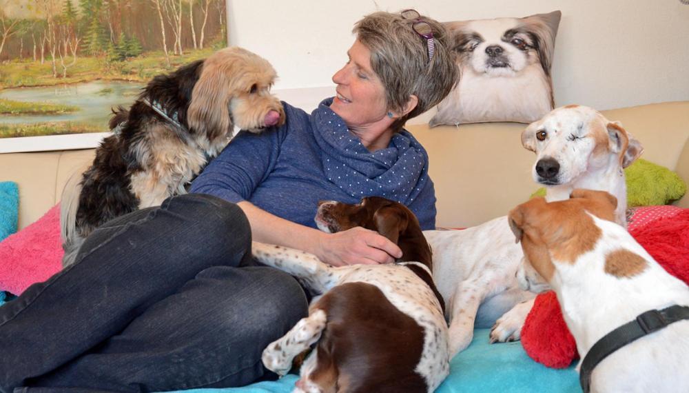Franziska Feldsieper mit Hunden (Foto: © Wolfgang Herfort)